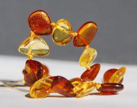 Limpiar amuletos: todo lo que debes saber para que funcionen adecuadamente